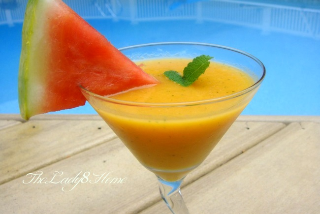 Mango and mint drink