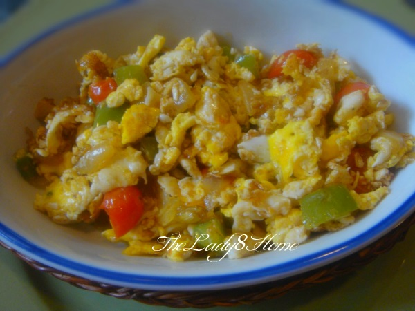 Eggs with sweet green peppers